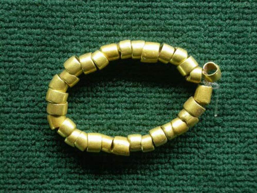 Най-старото-златно-украшение-в-света