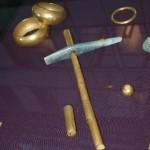 VHN-Гроб-4-ритуално сечиво-и-гривни